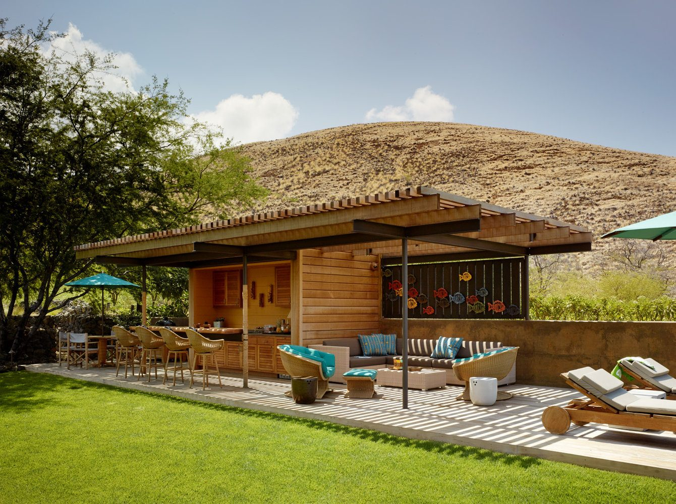 Kahua Kuili Tiki Bar - Luxury Residential by Philpotts Interiors