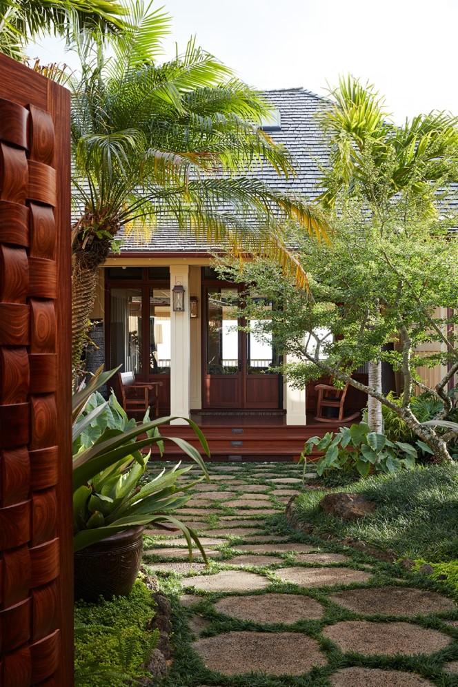 Garden Isle Residence Courtyard - Philpotts Interiors