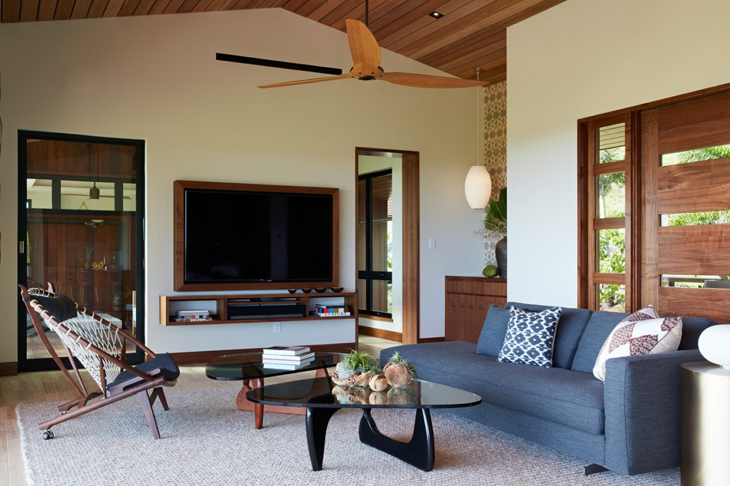 Hale Ike Mala Residence Entry by Philpotts Interiors