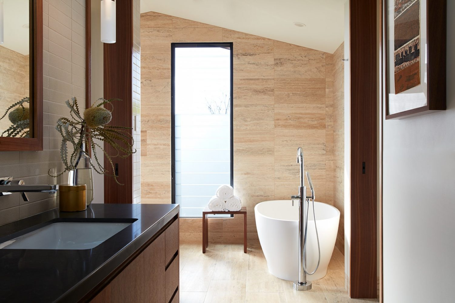 Hale Ike Mala Residence Master Bathroom by Philpotts Interiors