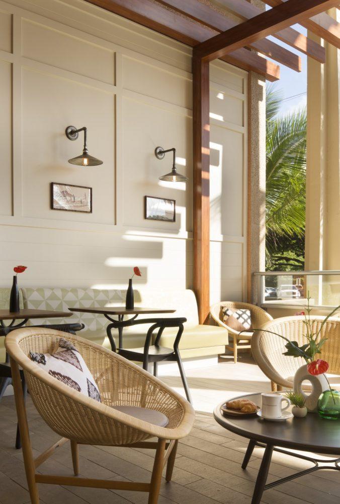 Queen Kapiolani Hotel Lanai Terrace - Philpotts Interiors
