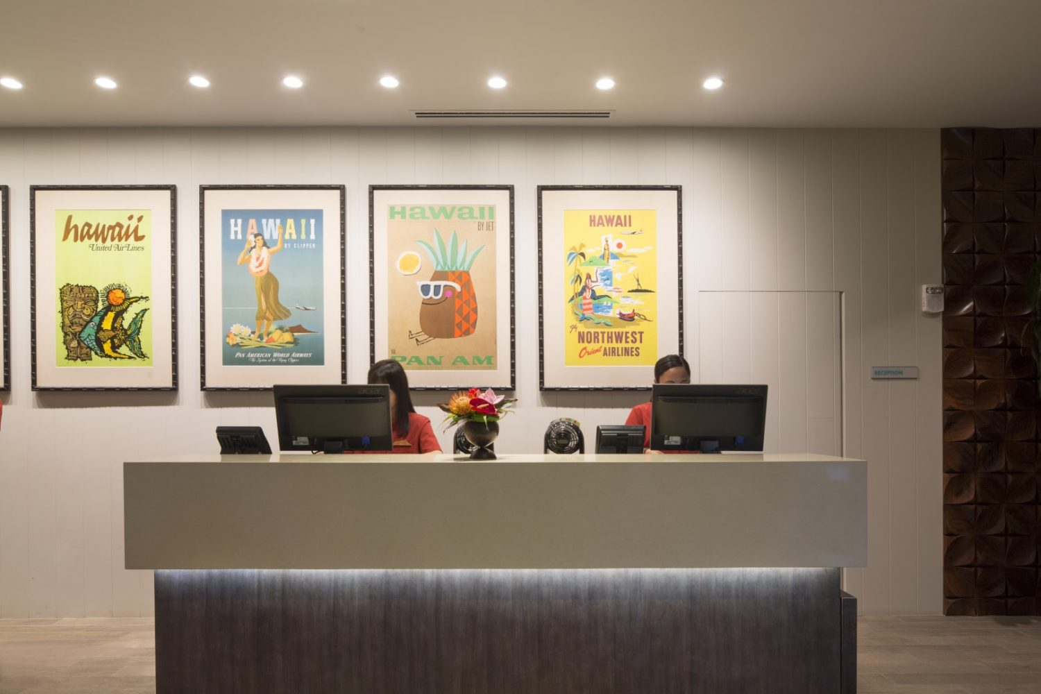 Queen Kapiolani Hotel Concierge Desk - Philpotts Interiors