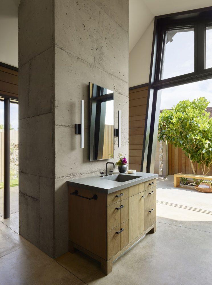 Makani Eka Bathroom - Philpotts Interiors
