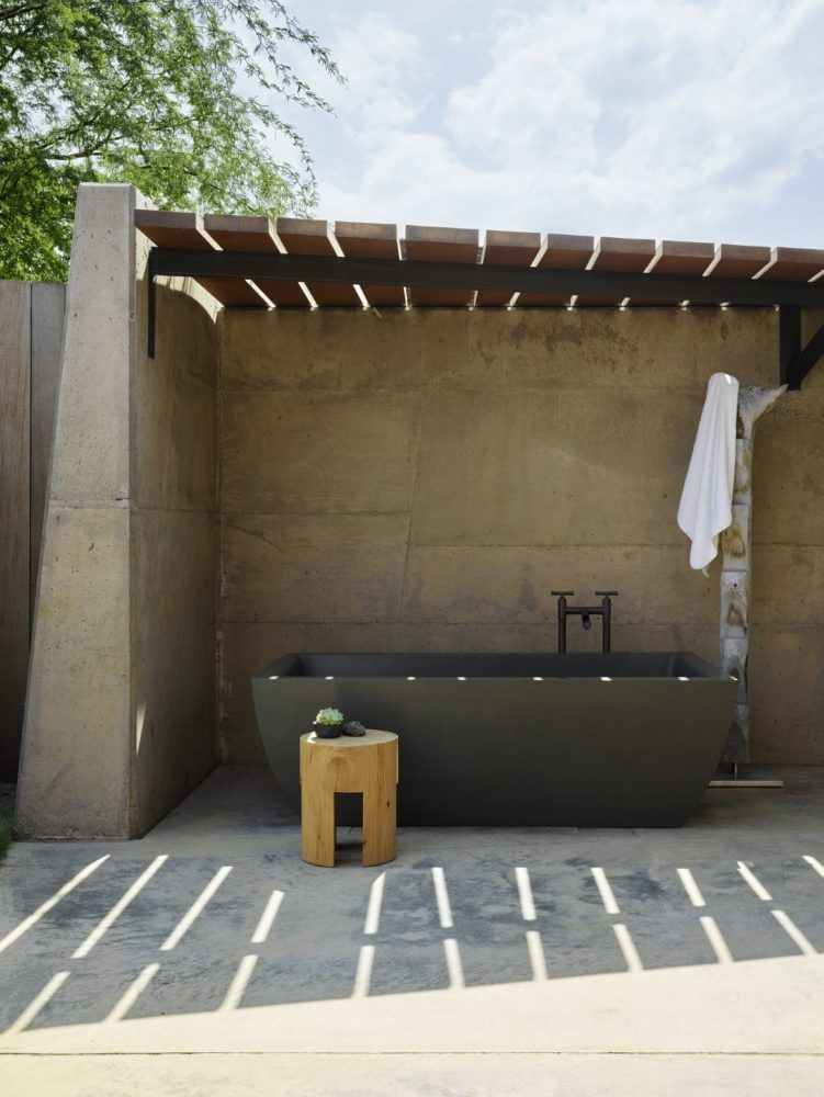 Makani Eka Outdoor Shower - Philpotts Interiors