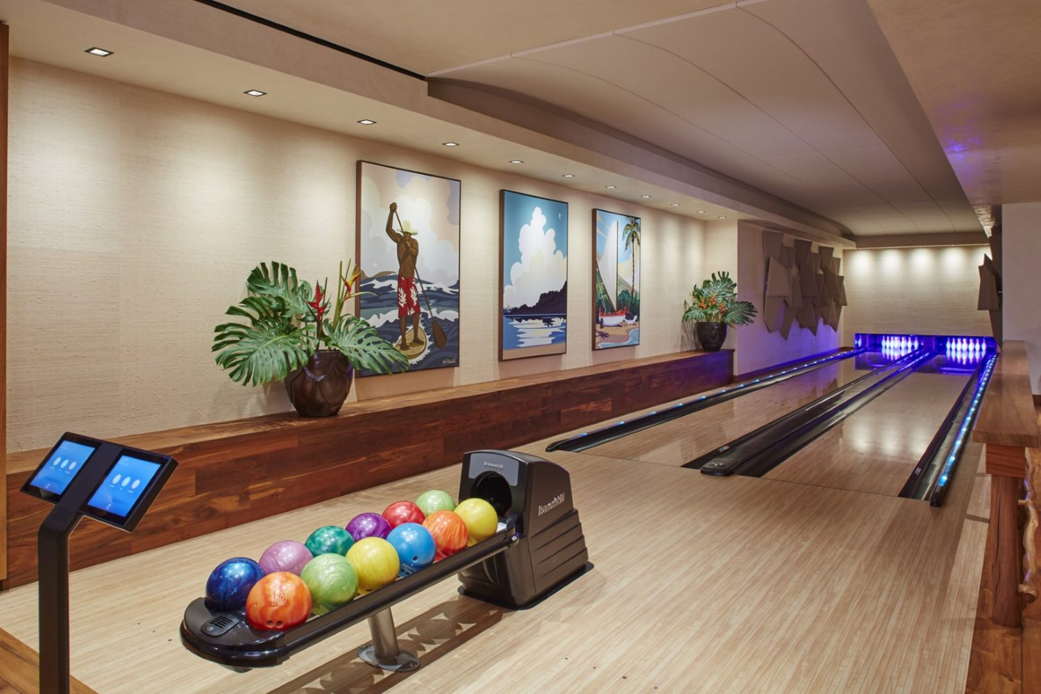 Malie Residence Bowling Alley - Philpotts Interiors